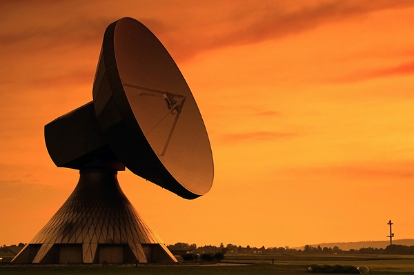telecommunications_dish_600x400